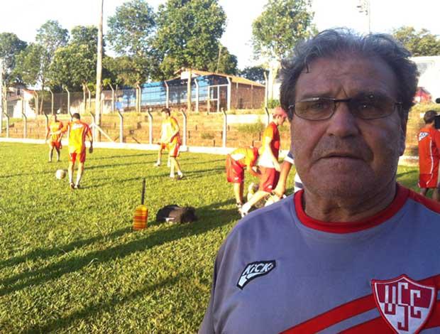Técnico, Nenê Belarmino, acredita que é preciso compromentimento.  (Foto: Luiz Vieira/GLOBOESPORTE.COM)