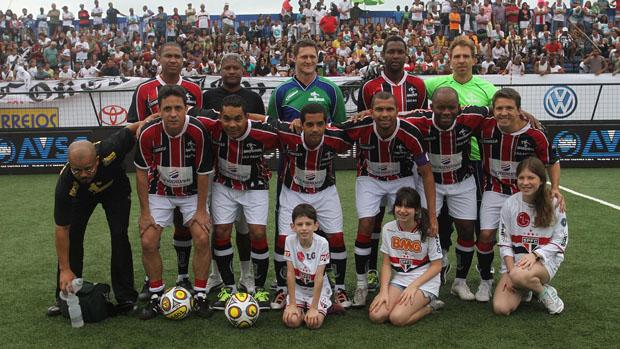 Time de showbol do São Paulo (Foto: Ricardo Cassiano/Divulgação)
