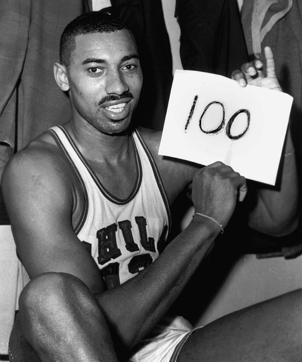 Wilt Chamberlain 100 pontos boneco (Foto: AP)