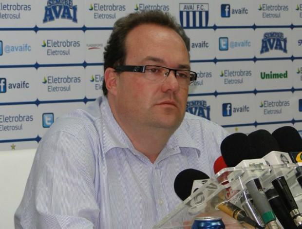 Carlito Arini, gerente de futebol do Avaí (Foto: Divulgação / Site oficial)
