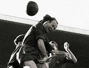 César Rodriguez, segundo maior artilheiro da história do Barcelona (Foto: Divulgação / Site Oficial do Barcelona)