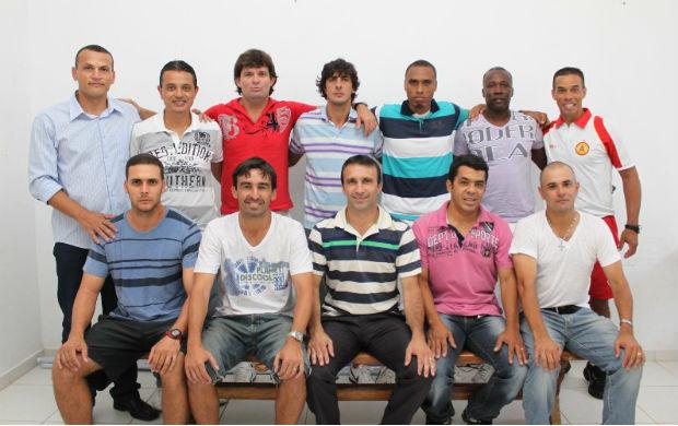Elenco de showbol do Atlético Sorocaba (Foto: Divulgação)