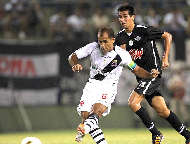 Felipe no jogo do Vasco contra o Libertad (Foto: Marcelo Sadio / Site Oficial do Vasco da Gama)