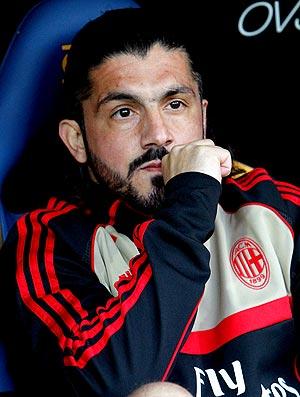 Gattuso no banco de reservas da partida do Milan contra o Parma (Foto: Getty Images)