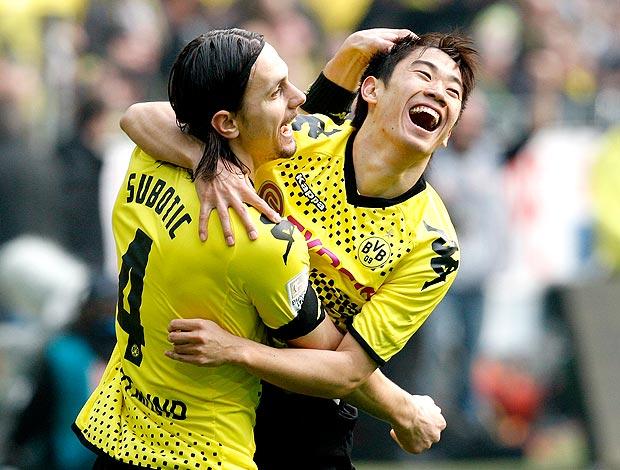 Shinji Kagawa comemora gol do Dortmund contra o Werder (Foto: AP)
