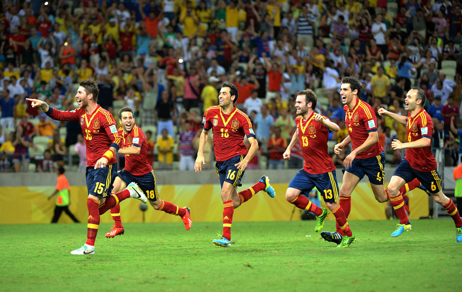 Pacto com a bola  Espanha bate Itália nos pênaltis e pega Brasil na final  3b976e05043e5