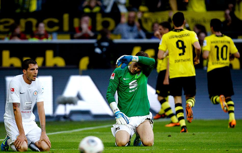7f378a24ba Borussia sofre