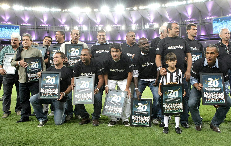 fb909ebc38a25 Geração esquecida  o título de 93 na visão dos campeões com o Botafogo