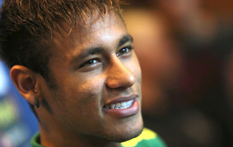 Neymar reconhece pressão: Copa é 'praticamente uma obrigação'