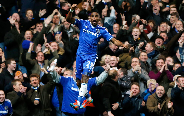 Hat-trick de Eto'o garante vitória do Chelsea sobre o Manchester United