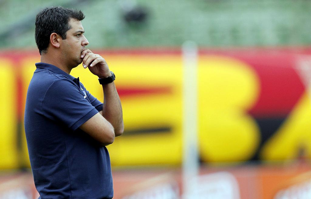Com problemas médicos no elenco, Marquinhos não define time titular