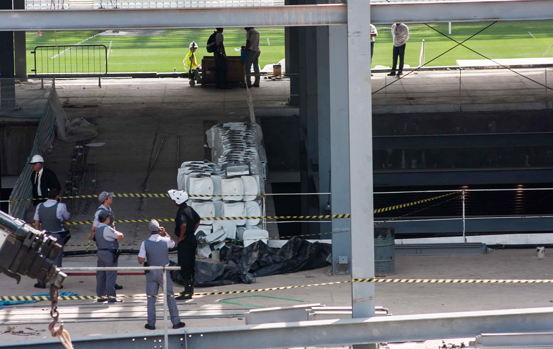 Fiscais interditam local de acidente que matou operário na Arena