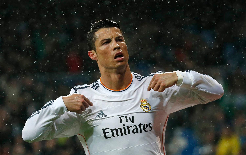 Cristiano Ronaldo vende mais camisas que clubes como Bayern e Chelsea  bfb6298b40d5c