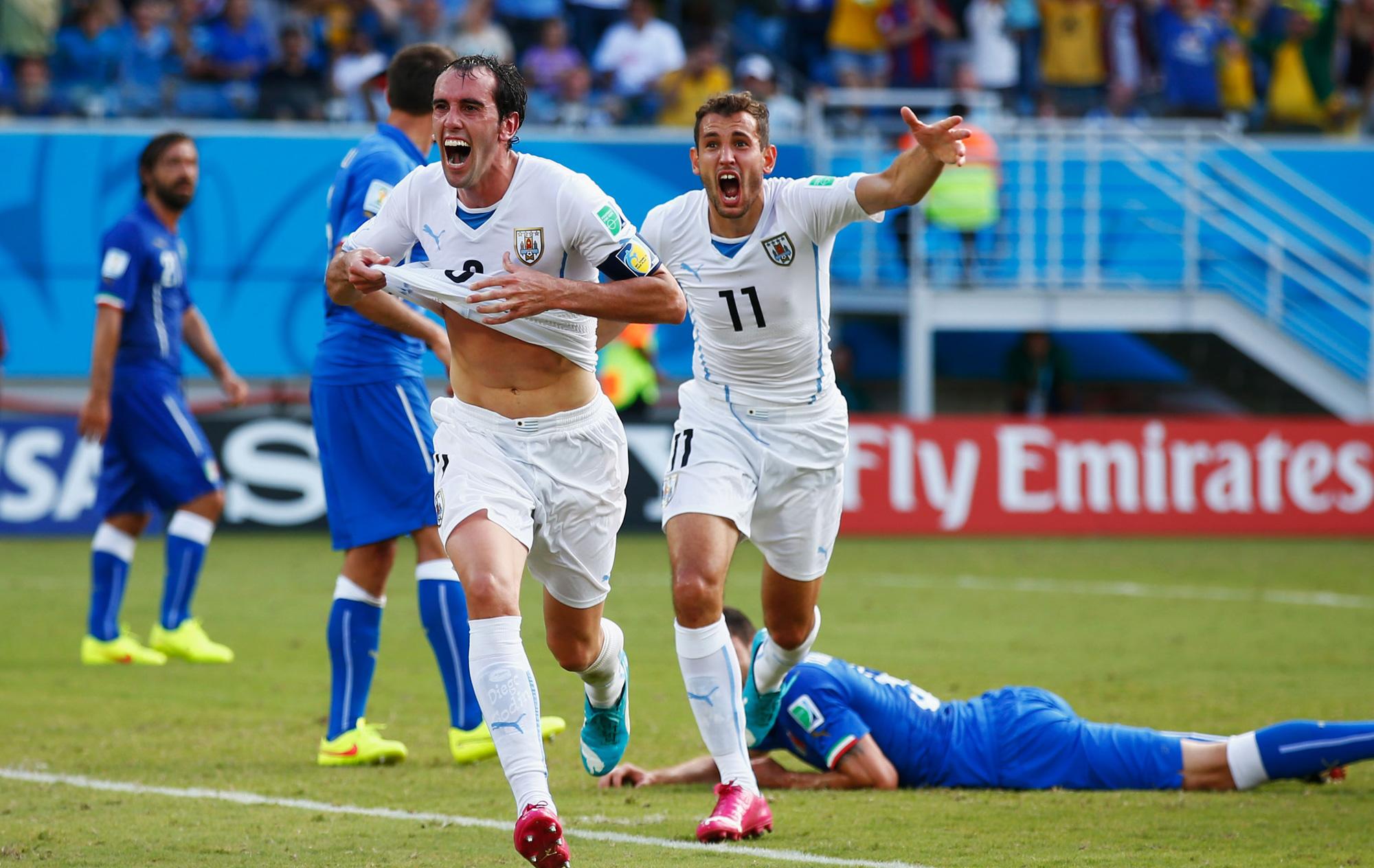 Fantasma vive  Uruguai abocanha a vaga e elimina a Itália do Mundial ... 2d26968f72e3f