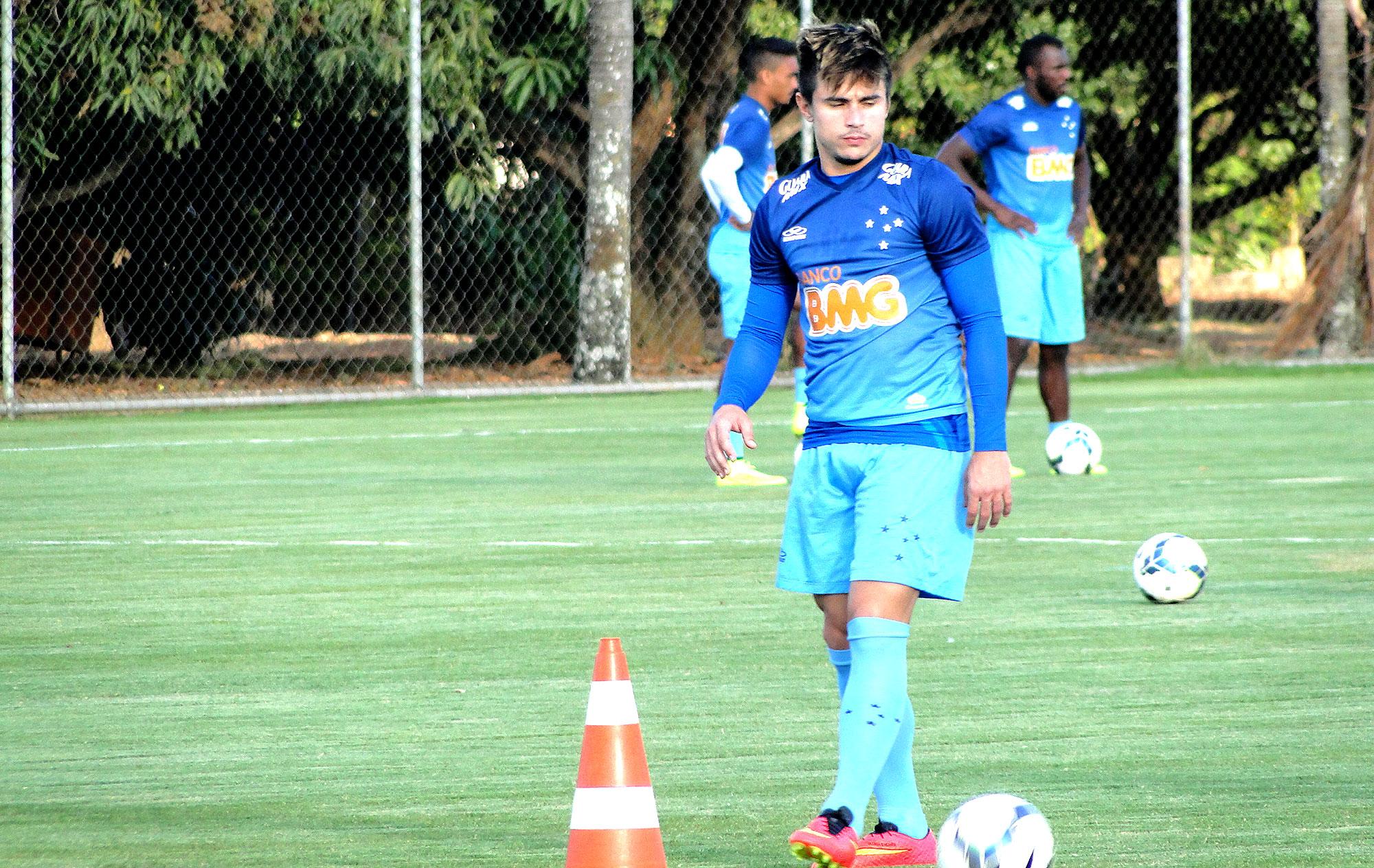 b10a86df50 Cruzeiro se acerta com Metalist-UCR e compra direitos econômicos de Willian
