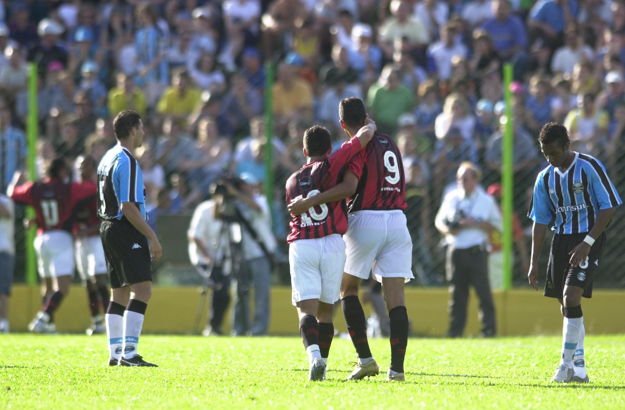 Empate surreal que rebaixou Grêmio e mudou campeão faz 10 anos  relembre  878749377d8d5