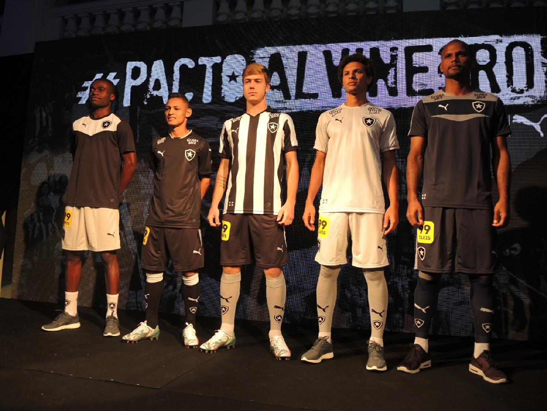a203a2a63a Acabou o mistério  Botafogo apresenta novo uniforme para a temporada