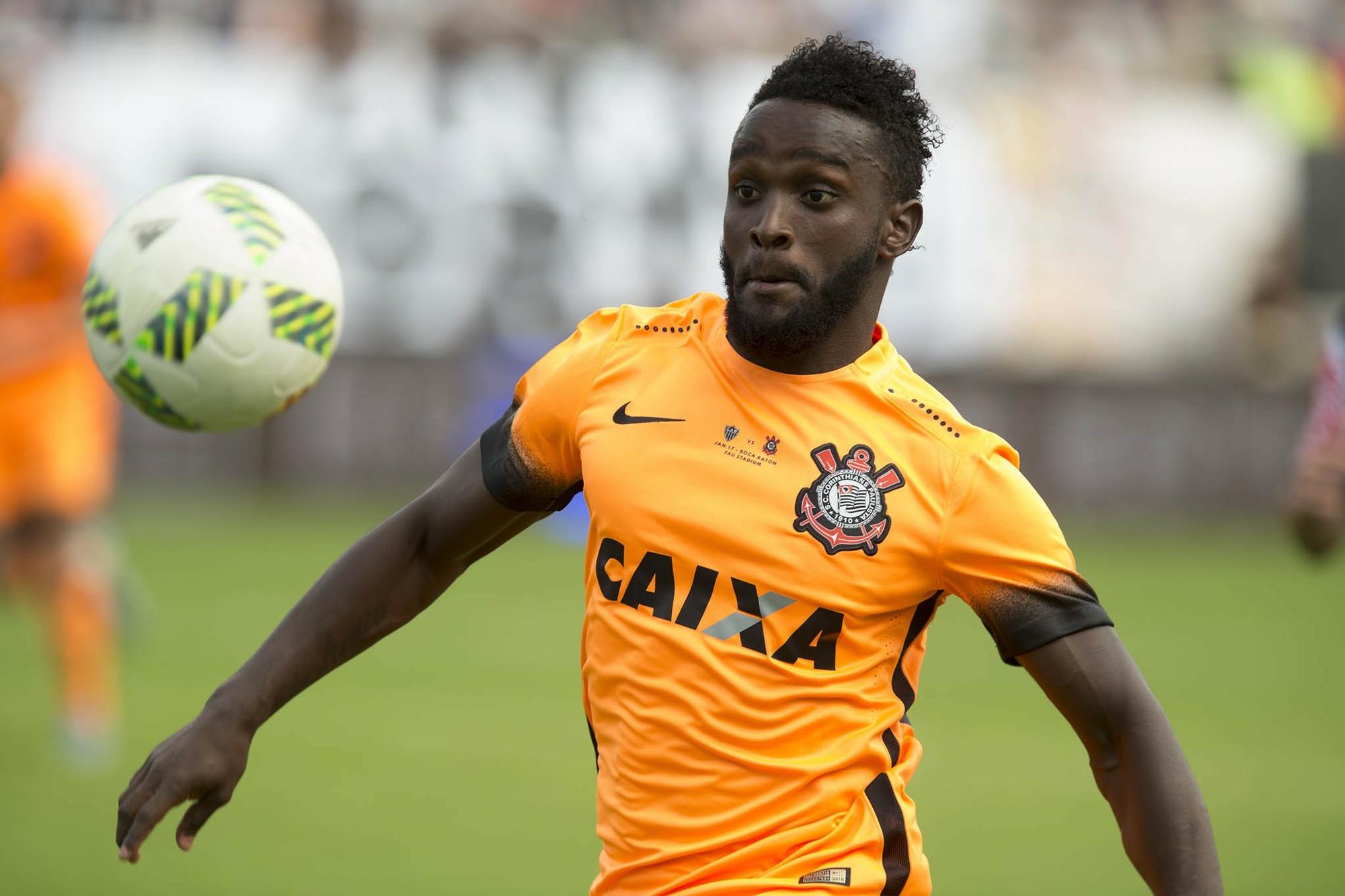 Stiven Mendoza, atacante do Corinthians, foi oferecido ao Botafogo
