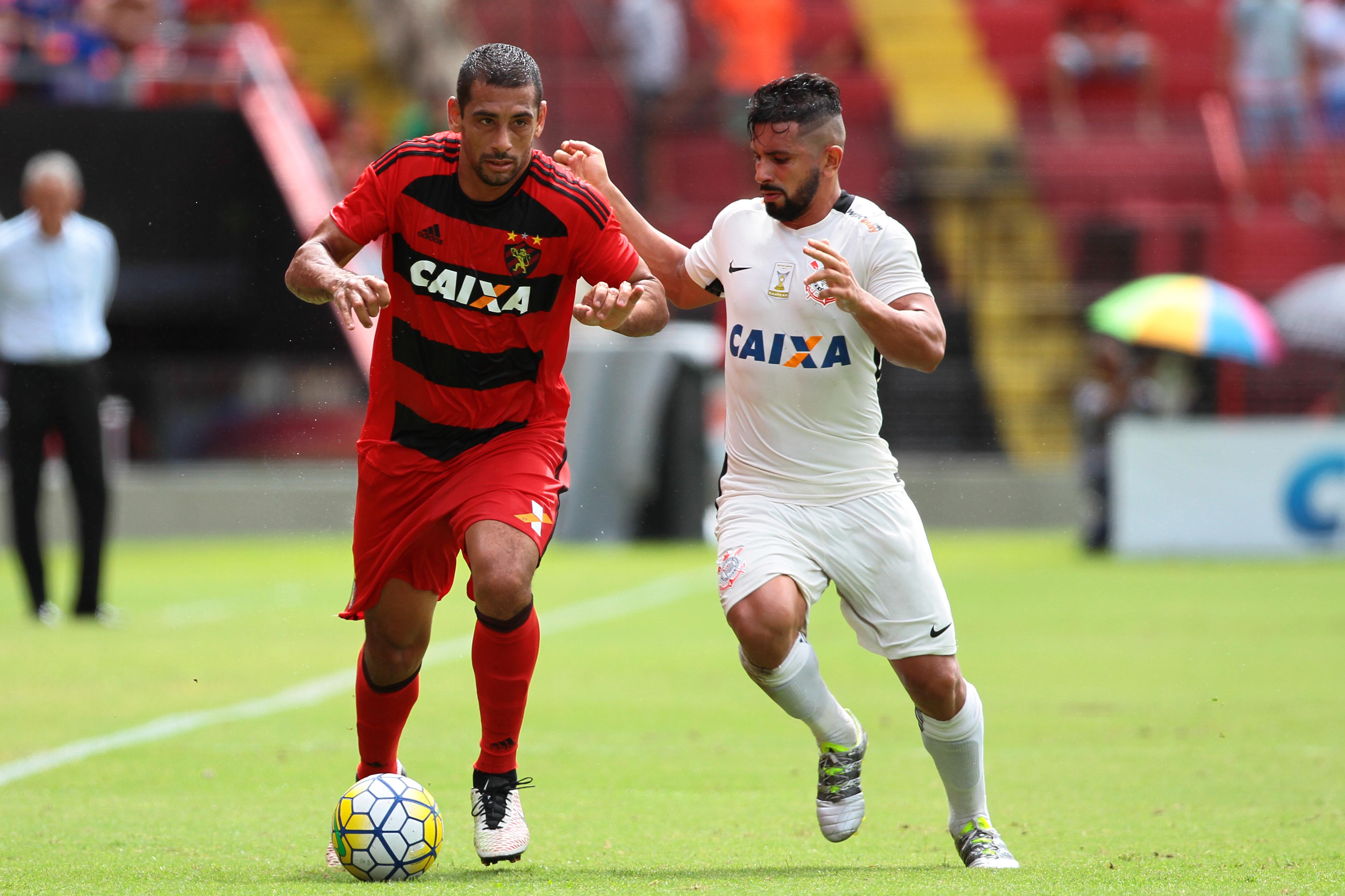 2335874444 Troca de peças deve fazer Sport mexer no estilo de jogo contra o Corinthians