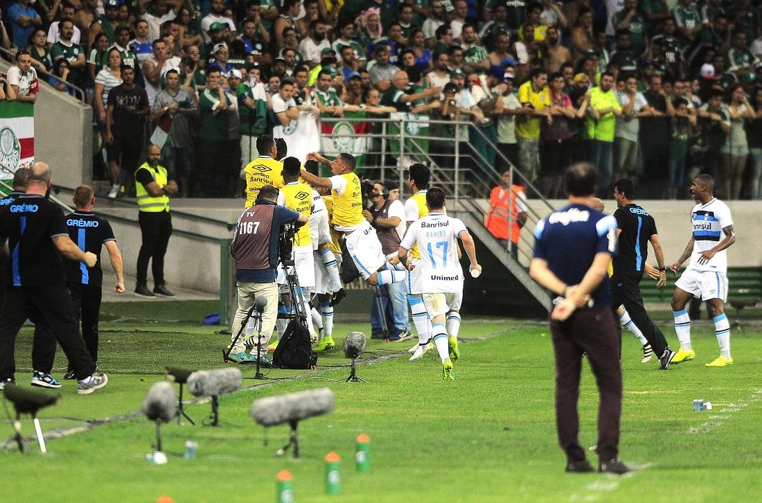 Grêmio arranca empate 2d56f911e7227