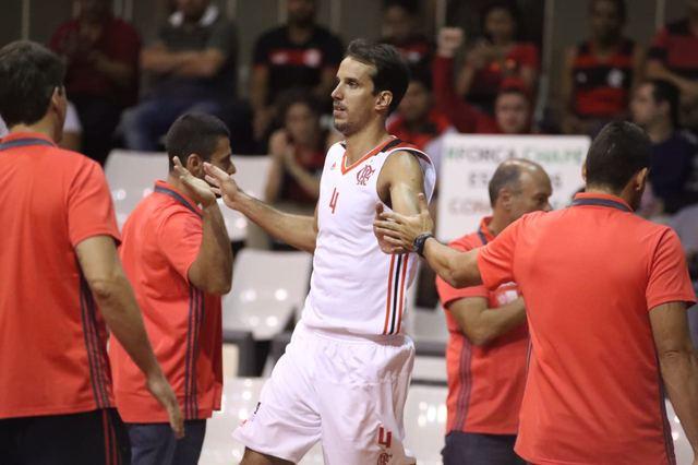 """BLOG: Prestes a completar 10.000 pontos, Marcelinho comemora: """"É o time do meu coração, poder chegar nessa marca me deixa muito feliz"""""""