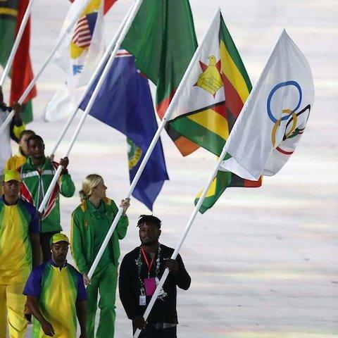 BLOG: A controversa e criticada relação de Kirsty Coventry e o deposto presidente Robert Mugabe