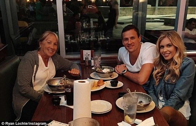 BLOG: Ryan Lochte está namorando uma coelhinha da Playboy
