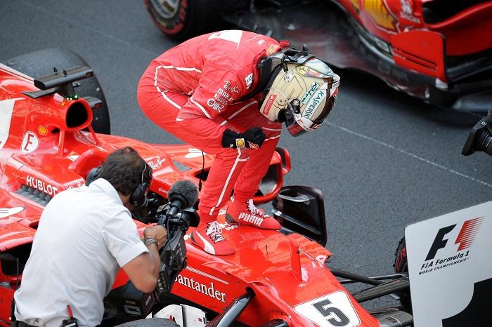 BLOG: Vettel vence e se impõe no Mundial