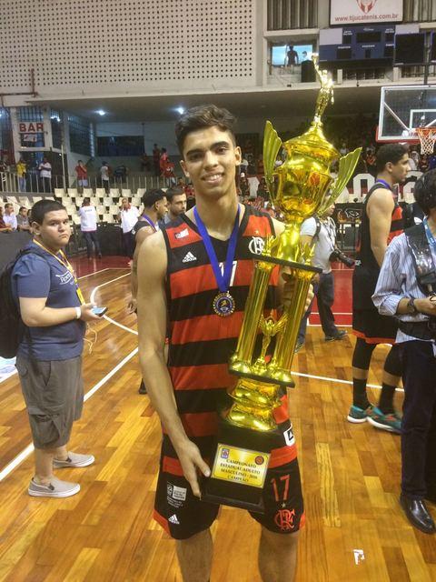 """BLOG: Em sua primeira conquista pelo time adulto, Danilo Monteiro destaca: """"É uma experiência incrível poder jogar com grandes nomes"""""""