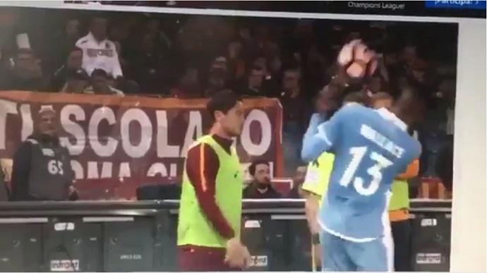 "BLOG: Vídeo mostra Totti jogando bola em Wallace, e Felipe Anderson diz: ""Cag..."""