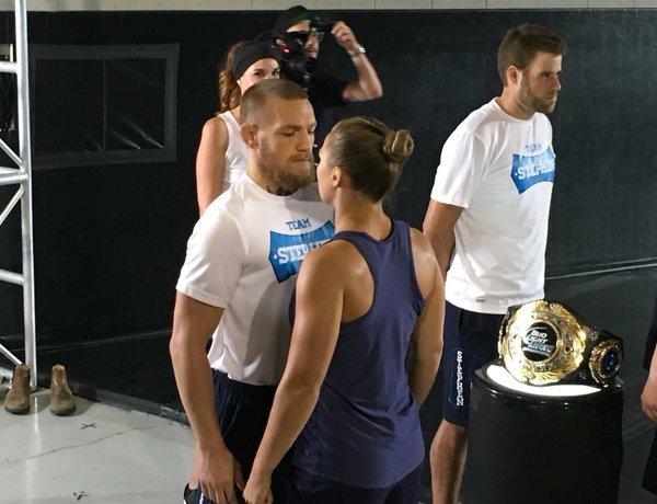 BLOG: McGregor e Ronda fazem encarada no que pode ser promoção do UFC NY