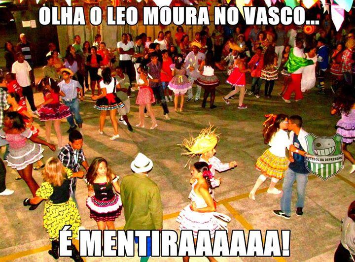 Desistência de Léo Moura em se transferir para Vasco rende piadas nas redes sociais