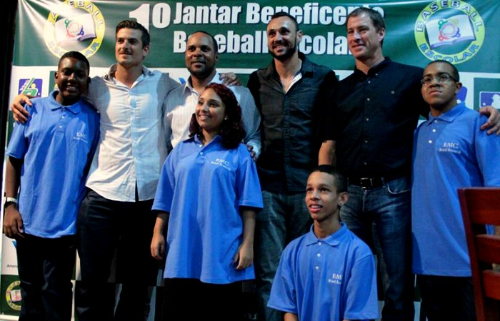 BLOG: Com Paulo Orlando, projeto social carioca de beisebol realiza 2º jantar beneficente