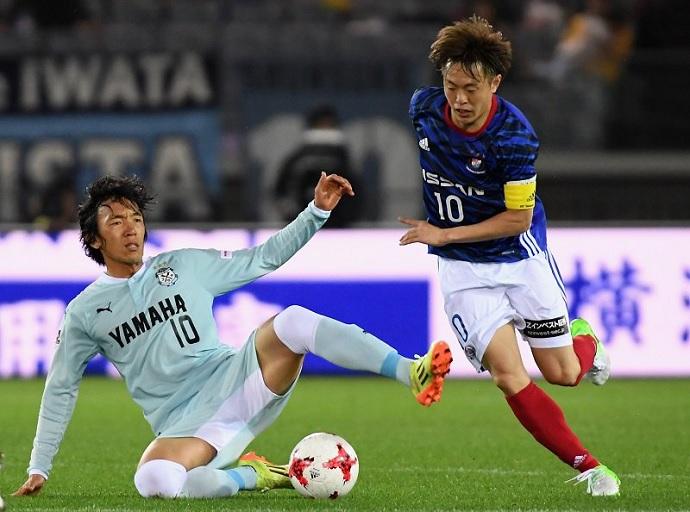 BLOG: No retorno a Yokohama, Nakamura é vaiado; novo camisa 10 do Marinos brilha