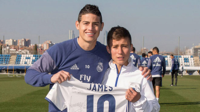 "BLOG: ""Anjo da Chape"" vai até CT do Real Madrid e tira foto com James Rodríguez"