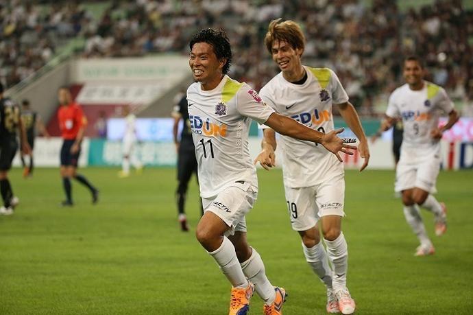 BLOG: Arrasador, Sanfrecce Hiroshima faz mais uma vítima e goleia Vissel Kobe por 4x0