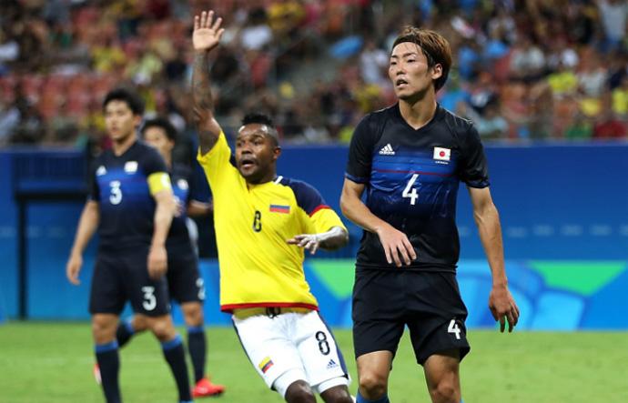 BLOG: Que vexame, Fujiharu! Gol contra bizarro deixa Japão quase fora da Olimpíada