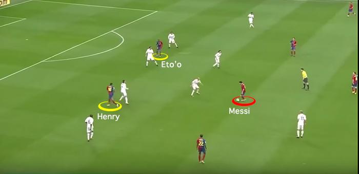 """BLOG: Ponta, """"falso-nove"""", camisa 10: Messi redefine o papel dos craques"""