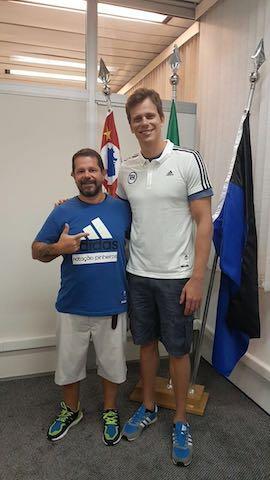 BLOG: O bom filho a casa torna: Cesar Cielo está de volta ao Pinheiros!