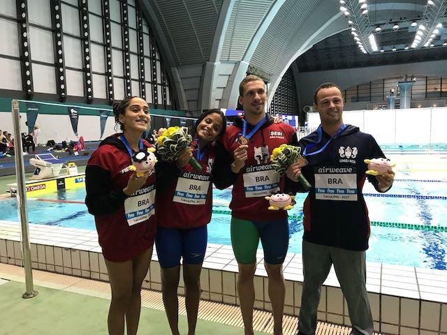 BLOG: Etiene de prata, revezamento de bronze para o Brasil no dia 1 de Tóquio