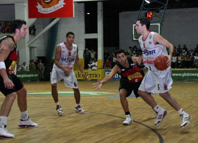 BLOG: Os triunfos marcantes do Flamengo na semifinal do NBB