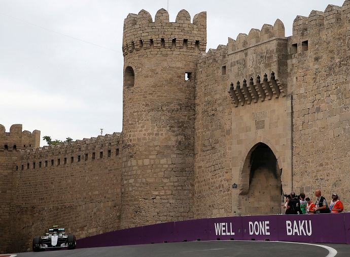 BLOG: Baku, 1º e 2º treinos livres
