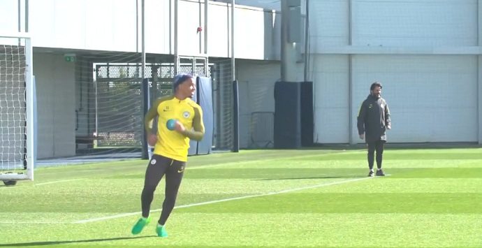 BLOG: Vídeo: Gabriel Jesus e acerta a trave em desafio no treino do Manchester City