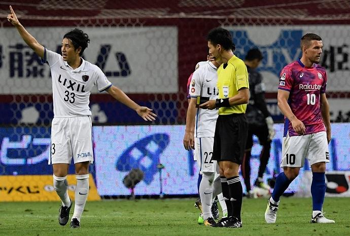 BLOG: Kanazaki venceu duelo com Podolski e o Kashima voltou para o topo da J-League