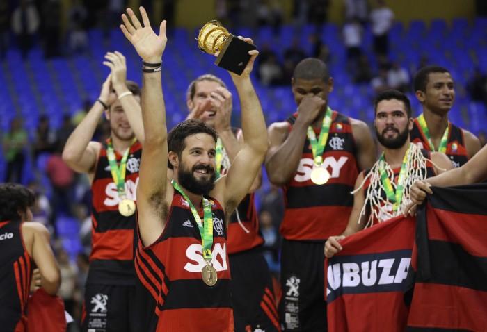 """BLOG: Feliz com carinho da torcida rubro-negra, Nico Laprovittola revela: """"Penso que algum dia voltarei a jogar no Flamengo"""""""