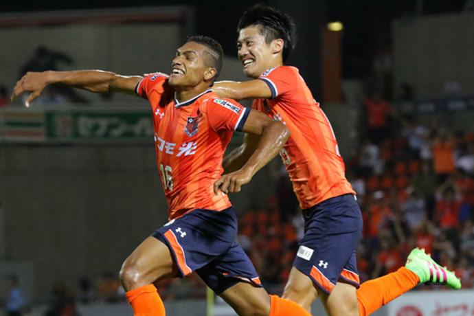 BLOG: Com golaço de Mateus, Omiya vence a ida contra o Yokohama pela Copa da Liga