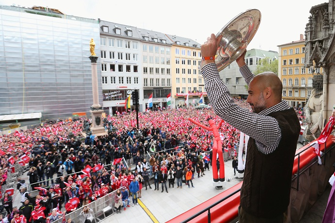"BLOG: ""The Voice Munique"": no adeus de Pep, Rafinha comanda festa do Bayern; vídeo"