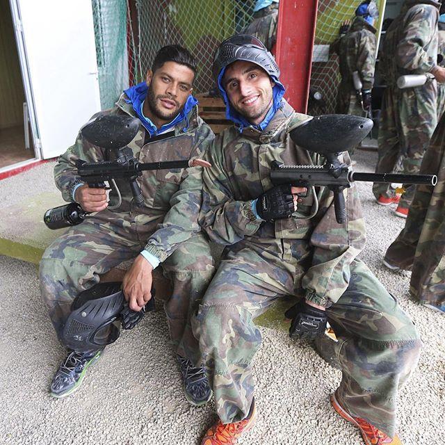 BLOG: Preparados para guerra: Zenit posta foto de Hulk e Mauricio no paintball