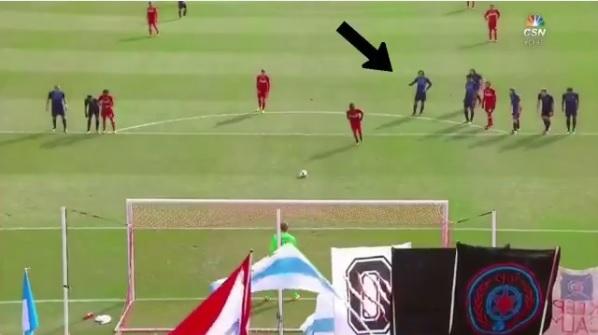 BLOG: Pirlo aponta canto de pênalti adversário, mas goleiro pula para o outro lado