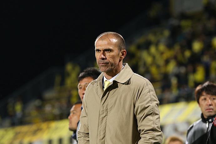 BLOG: Com apenas três rodadas, Milton Mendes pede demissão do Kashiwa Reysol